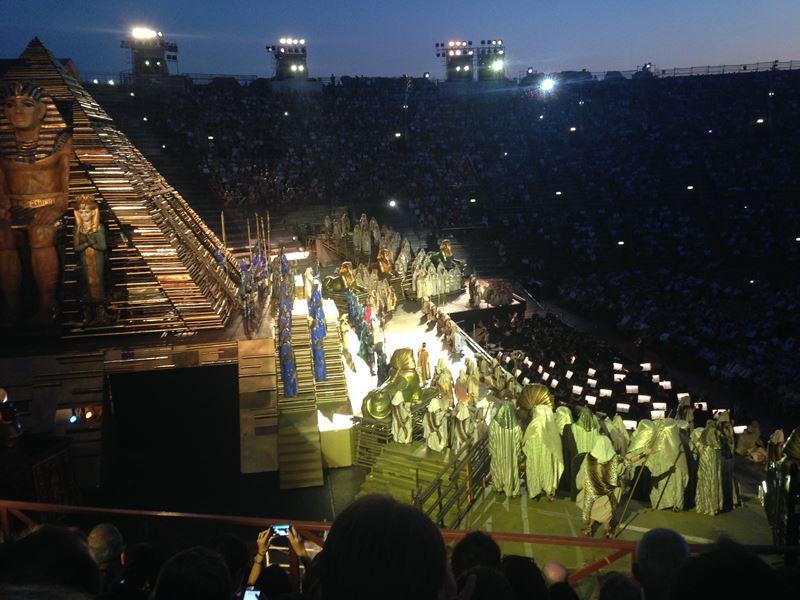 Szene der Aida in der Arena di Verona
