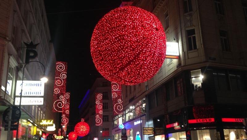 Wien im Advent in abendlicher Beleuchtung
