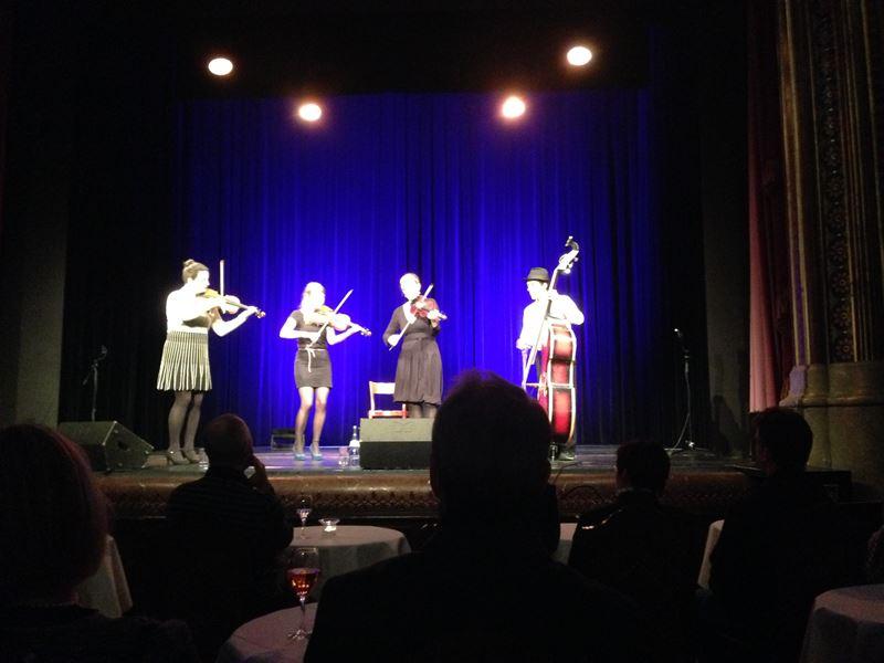 Zwirbeldirn beim Geigen-Groove im Parktheater